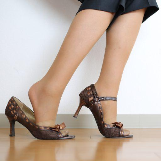 靴が合わない、かかとが脱げる|サロン美足